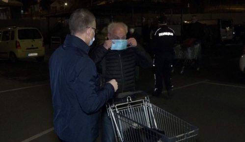 Stefanović obišao prodavnice i zahvalio najstarijim sugrađanima na poštovanju reda 9