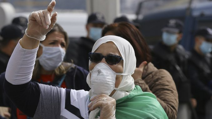 Alžirska policija rasterala protest protiv vlasti u glavnom gradu 3