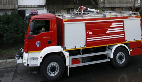 MUP: Ugašen požar na automobilu u Dunavskoj ulici 9