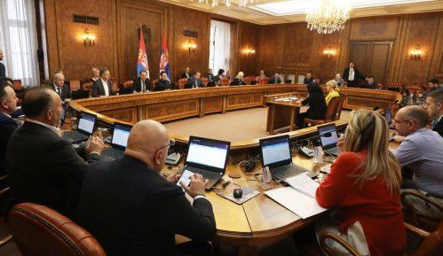 Predsednici UNS-a i NUNS-a pozvali Vladu da povuče Zaključak o informisanju u vreme pandemije 15
