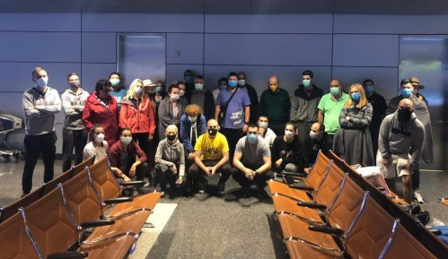 Državljani Srbije čekaju na aerodromu u Dohi da se vrate kućama 1