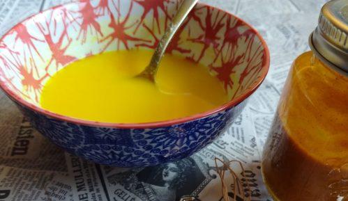 Zlatno mleko: Napitak sa kurkumom (recept) 6