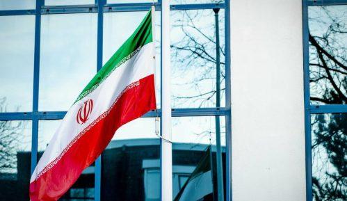 Iran bombardovao maketu nosača aviona 10