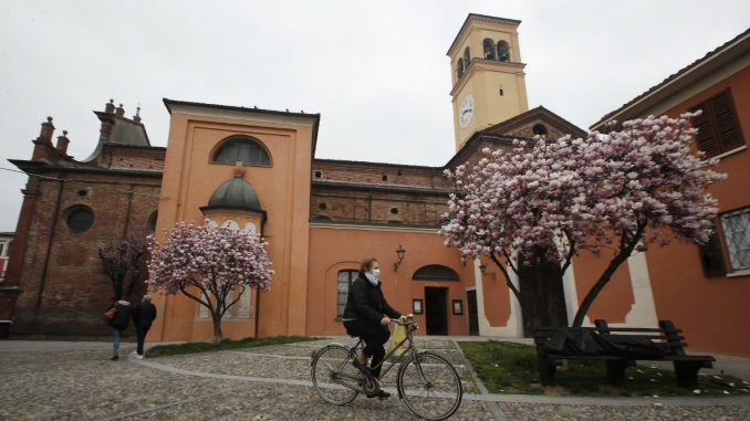 U Italiji peti dan zaredom pada broj novozaraženih korona virusom 4