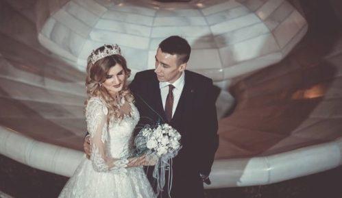 Ljubav Amele i Jasmina Ljajića prvog dana ove godine krunisana brakom 3