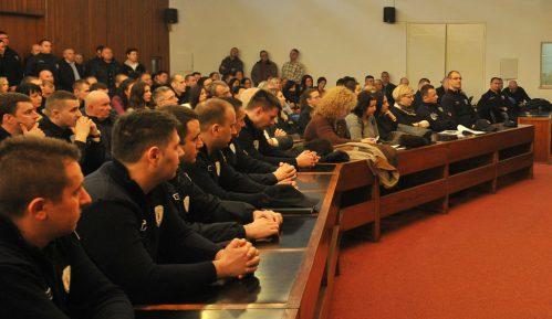 Nova ekonomija: Kožne rukavice i patike za komunalce Beograđani plaćaju 1,3 miliona evra 10