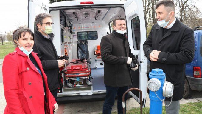 Sanitetsko vozilo Centru za socijalni rad 2