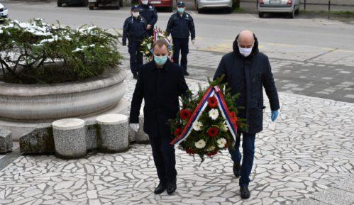 Položeni venci na spomenik Sloboda povodom godišnjice bombardovanja 8
