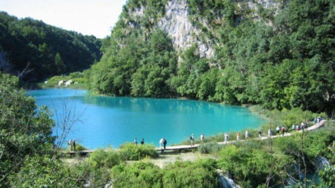 Plitvička jezera: Skupom ulaznicom protiv gužvi 3