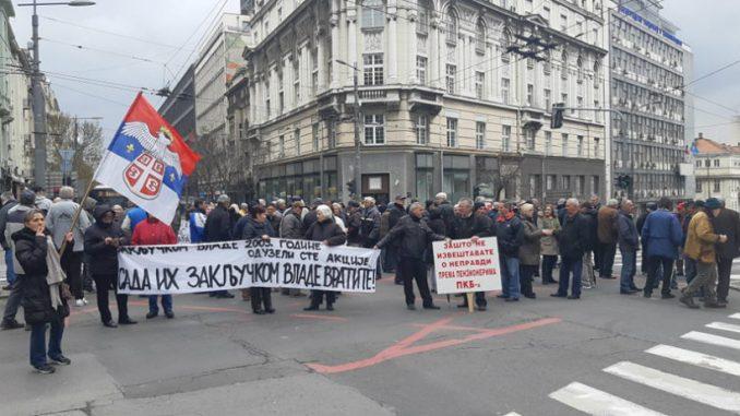 Penzioneri i bivši radnici PKB opet blokirali saobraćaj u Beogradu 3