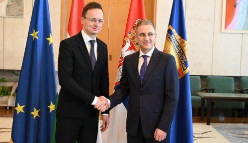 Stefanović i Sijarto: Iako u obe zemlje nema korona virusa, Srbija i Mađarska prate situaciju 6