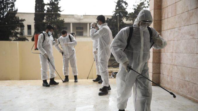 Korona virus i neslaganja stručnjaka: Između panike i pandemije 1