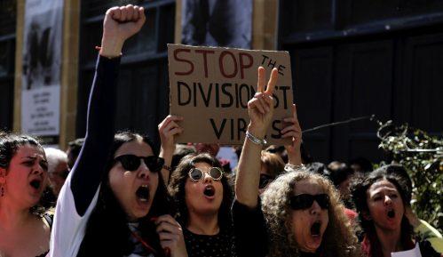 Na protestu u Nikoziji četiri policajca povređena 15