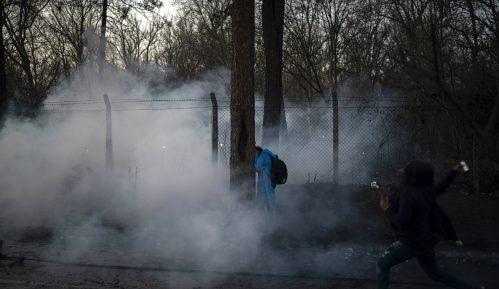 Grčka policija suzavcem protiv migranata koji su pokušali da probiju granicu iz Turske 9