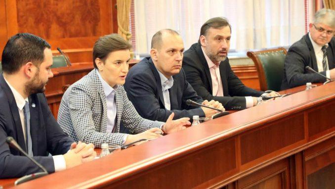 Vlada Srbije usvojila odluku o povećanju plata zdravstvenim radnicima 1