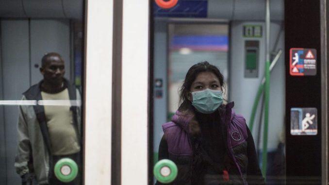 Putnici iz inostranstva u kućnoj izolaciji da se jave Gradskom zavodu za javno zdravlje 2