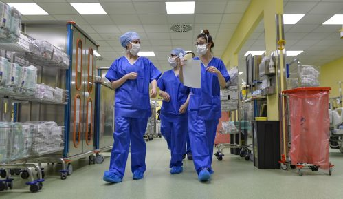 U Velikoj Britaniji u protekla 24 sata od korona virusa umrlo 828 ljudi 5