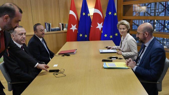 EU poziva Erdogana da poštuje sporazum o migrantima 4