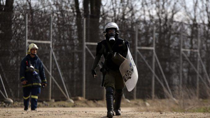 Grčka antiteroristička policija privela 20 ljudi i zaplenila oružje u Atini 1