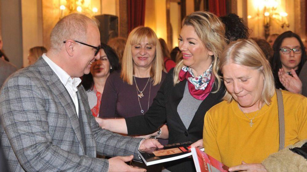 Vesić povodom 8. marta ugostio 1.800 žena iz Skupštine grada 1