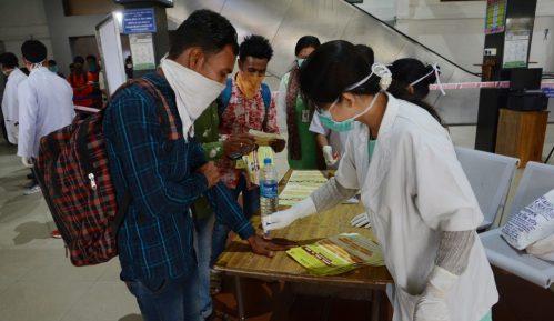 U Indiji dnevno više od 10.000 novozaraženih i više od 300 umrlih 6