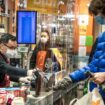 Najviše Novopazaraca radi u trgovinama, a Tutinaca u prerađivačkoj industriji 32