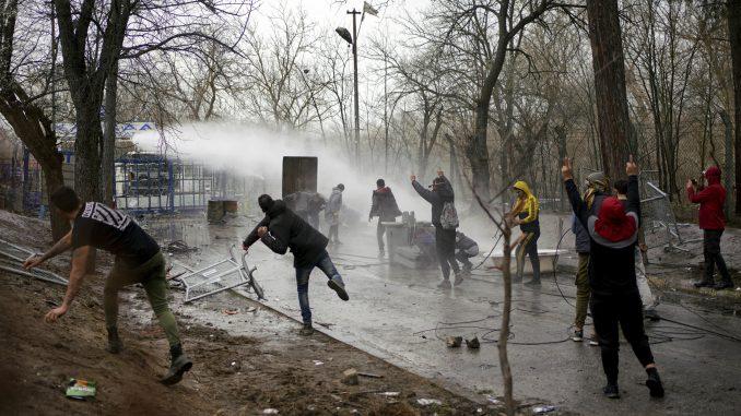 Erdogan pozvao Grčku da 'otvori vrata' migrantima 2