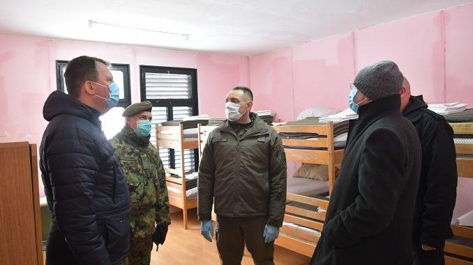 Vulin: U samoizolaciji se zbog korona virusa nalaze 642 vojnika 4