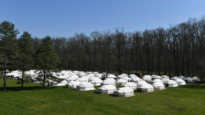 U Moroviću kod Šida otvoren kamp za povratnike iz inostranstva bez prebivališta u Srbiji (FOTO) 4