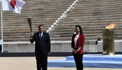 Olimpijski plamen dopremljen u Japan 6