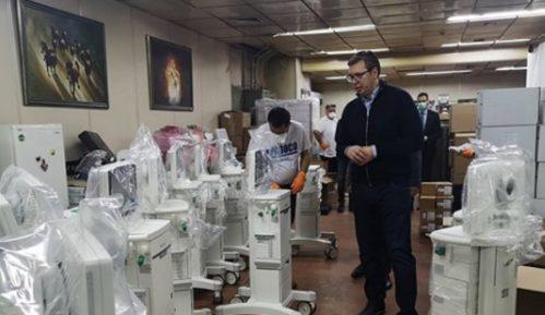 Vučić: Stiglo 18 novih respiratora u KC Srbije 5