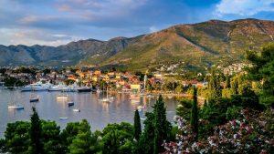 U Crnoj Gori 140.000 turista, 17 odsto manje u odnosu na rekordnu 2019. 1