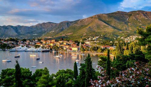 Korona razara crnogorski turizam 11
