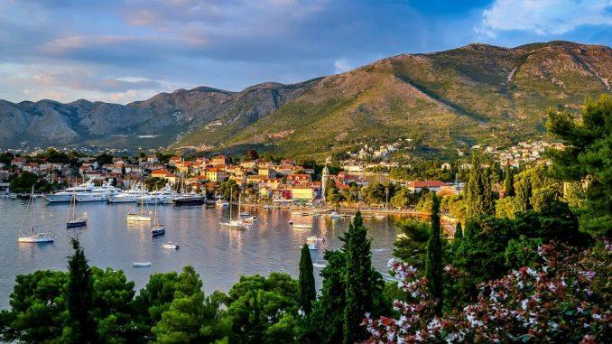 Korona razara crnogorski turizam 1