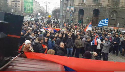 Protest zbog migranata i izbeglica ispred Vlade Srbije (VIDEO) 13