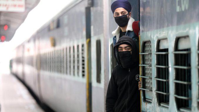 Indija: U protekla 24 sata više do 1000 umrlih usled zaraze virusom korona 2