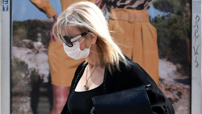 U Crnoj Gori tri petine građana nosi masku i na otvorenom 4
