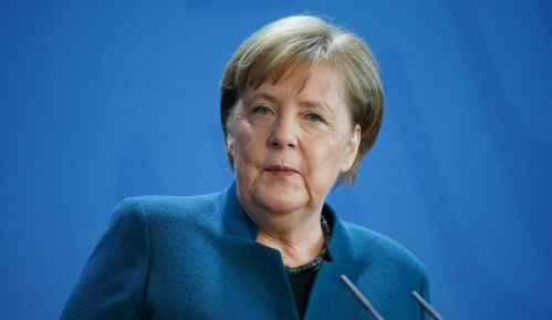 Angela Merkel osudila izjave Erdogana o Makronu 8