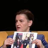 Premijerka pokazivanjem slike dece unizila Vladu 11