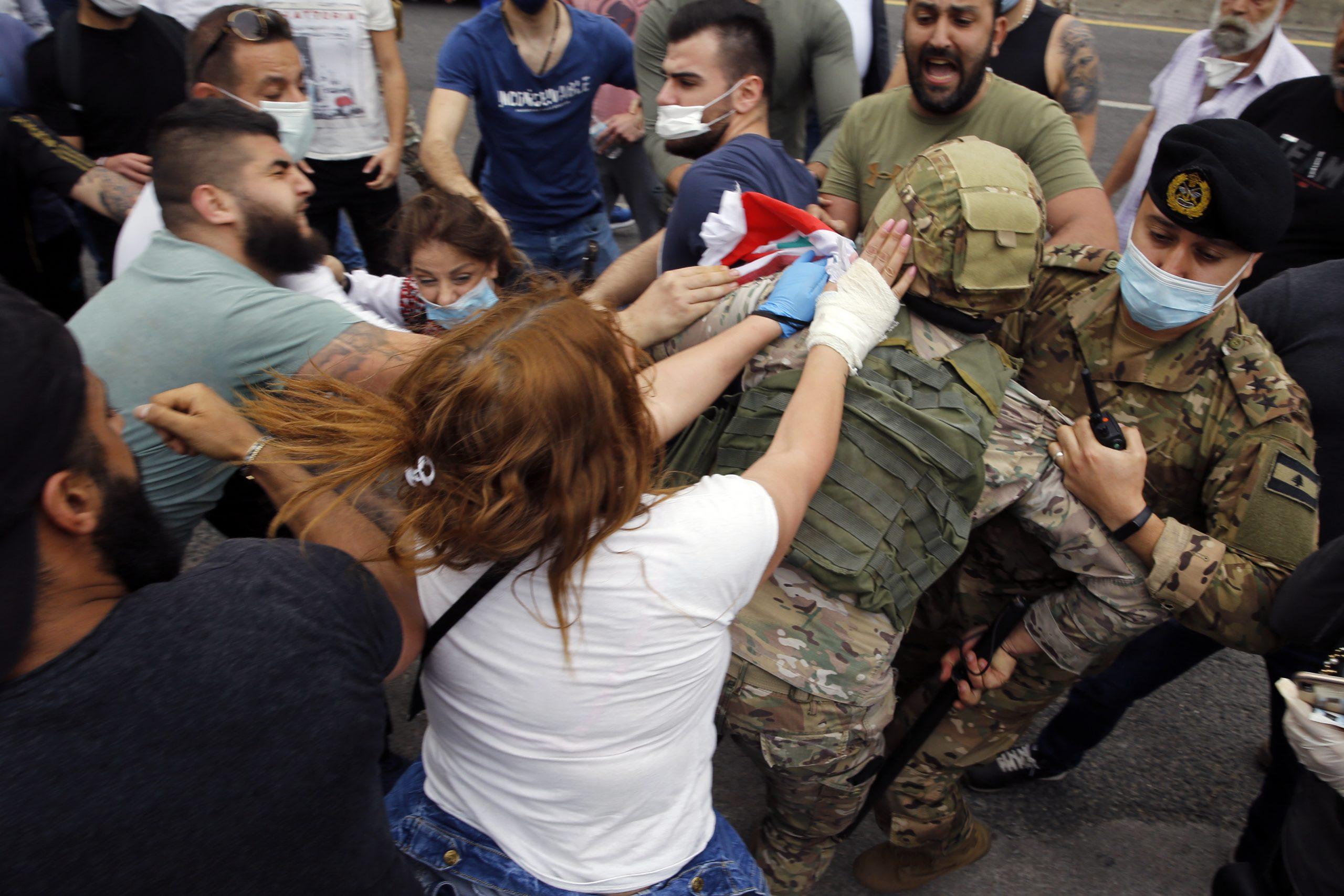 Zbog poskupljenja hrane i pada vrednosti novca neredi u Libanu 1