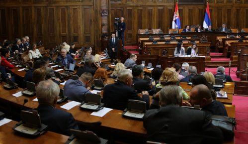Skupština Srbije izmenila Zakon o lokalnim izborima, potpise overavaju i lokalne uprave 3
