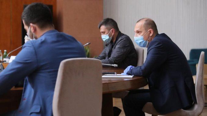 Korona virus: Srbija i za prvomajske praznike u blokadi, sve više zemalja najavljuje popuštanje mera u maju, Boris Džonson se vraća na posao 2