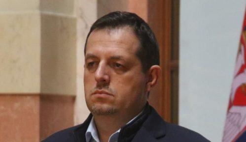 Poslanik DJB: Posle pravnog nasilja sa izborima, u Srbiji sve moguće, pa i proglašenje carevine 5
