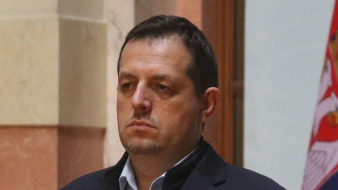 Poslanik DJB: Posle pravnog nasilja sa izborima, u Srbiji sve moguće, pa i proglašenje carevine 3