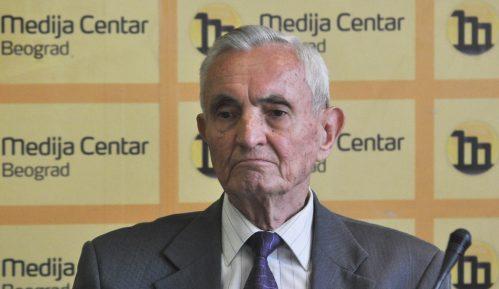 Tragedija je da se prodajom Komercijalne banke spasava Er Srbija 9