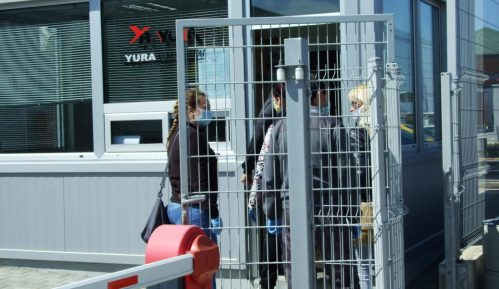 Radnici Jure zbog korone odbijaju da uđu u fabriku 11