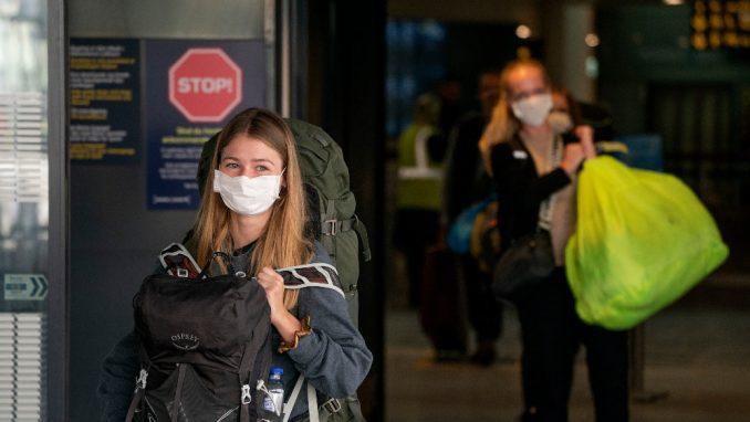Velika Britanija se priprema da produži mere zabrane kretanja 5