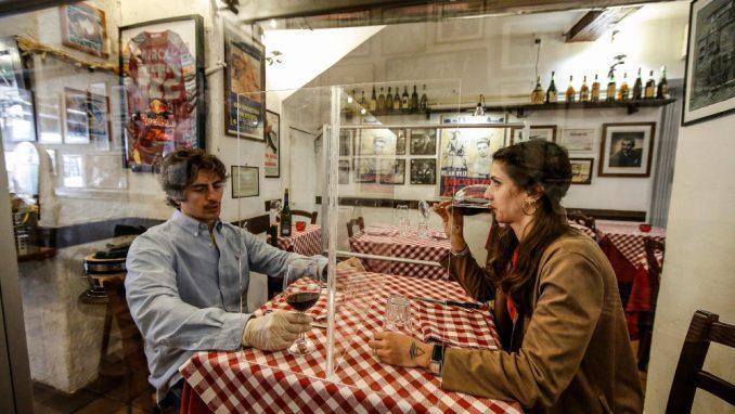 Socijalna distanca u Italiji postaje pravilo 1