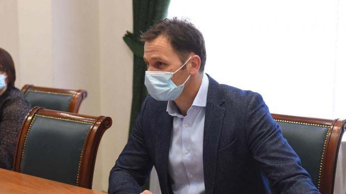 Deficit budžeta Srbije u prva četiri meseca 114 milijardi dinara, javni dug 52,4 odsto BDP-a 1