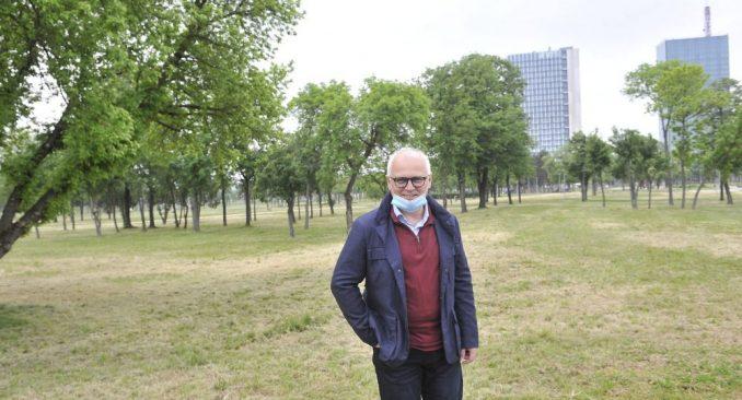 Predaju Vesiću 10.000 potpisa za očuvanje parkića na Banovom brdu 1